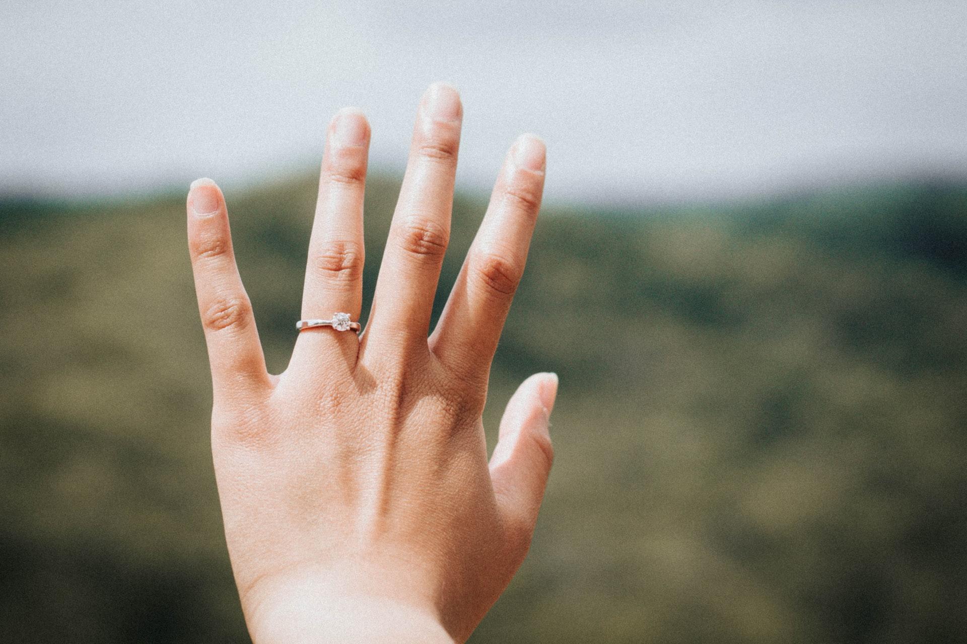 hand finger nails